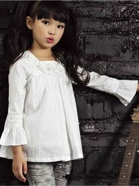 卡巴奇童装产品图片