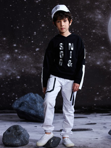 卓维乐童装产品图片