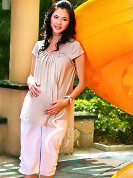 十月巢童装产品图片