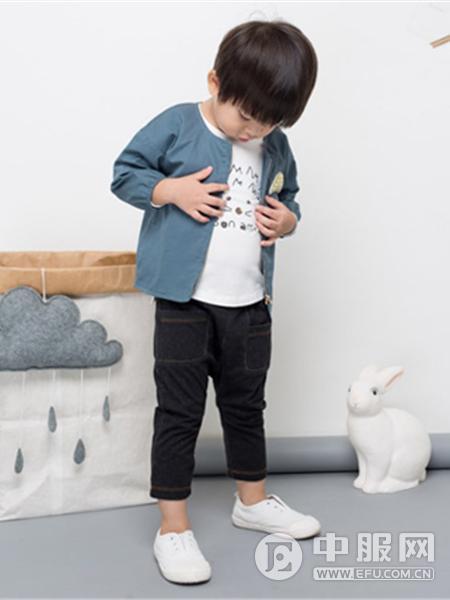 小神童童装产品图片