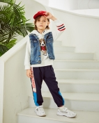暇步士童装产品图片
