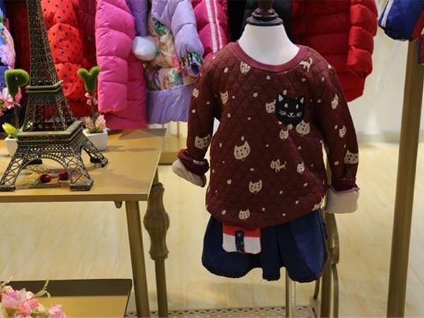 童衣汇童装店铺展示