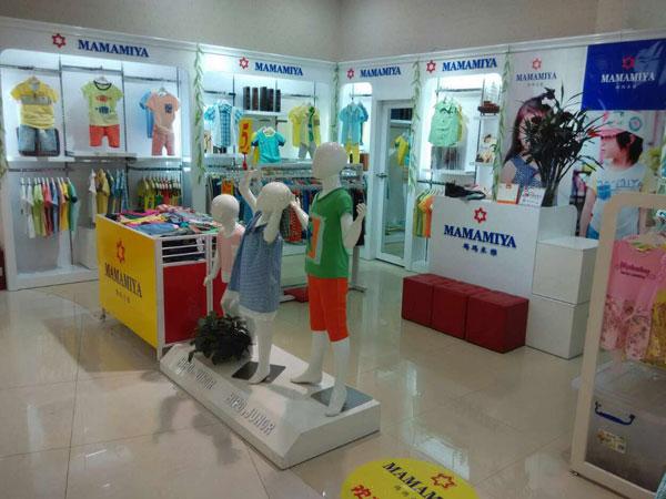 玛玛米雅童装店铺展示