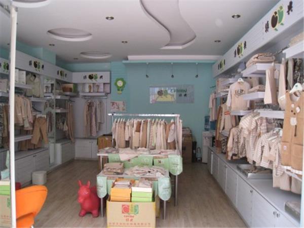 绿典彩棉童装店铺展示