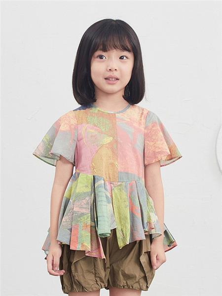 小江南布衣童装产品图片